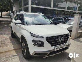 Three Used Hyundai Venue SX Plus DCT For Sale