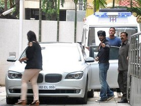 Shahrukh Khan's BMW 7-Series Is Up For Sale At Cheap Price