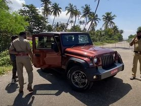 Inquisitive Kerala Police Officers Stop & Check out New Mahindra Thar [Video]