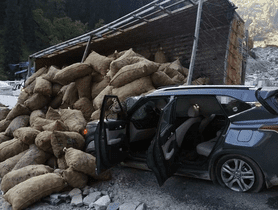 Kia Seltos TOTALLED in Atal Tunnel, Keeps All Occupants Safe