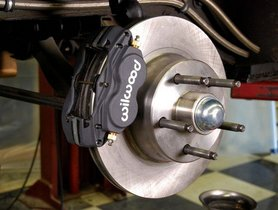 What are the differences between Drum brakes vs Disc Brakes?