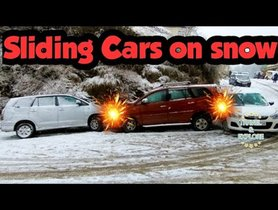 Toyota Innova MPVs Sliding and Bumping on Snow Shows Importance of 4WD
