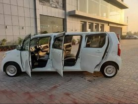 This Quirky-looking Maruti Wagon R Limousine has 6 Doors & Seats for 7 Occupants
