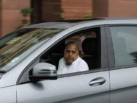 Mulayam Singh Yadav Set To Lose His Mercedes-Benz ML500 Guard