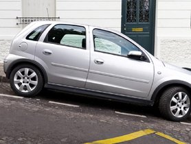 Here's How To Park A Car On Incline