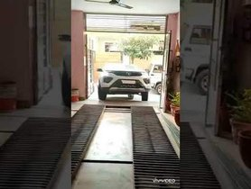 Tata Nexon Owner Finds Perfect Jugaad to Park Car in Tight Space