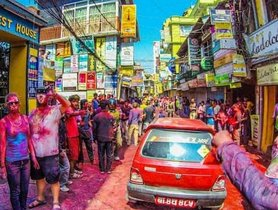 Cleaning Your Car After The Holi Fest Has Never Been Easier
