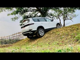 2021 Tata Safari Goes Off-road Only to Scrape its Belly – VIDEO