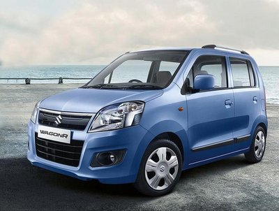Maruti Suzuki 2018 mid blue colour ocean and sky background front look