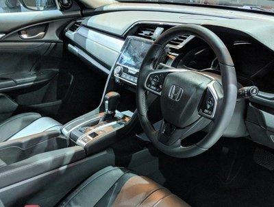 2019 Indian Honda Civic dashboard