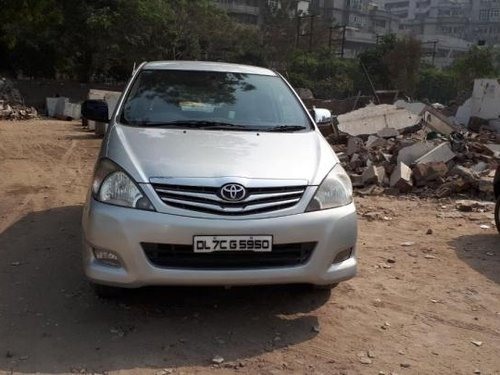 Good as new Toyota Innova 2010 for sale -7