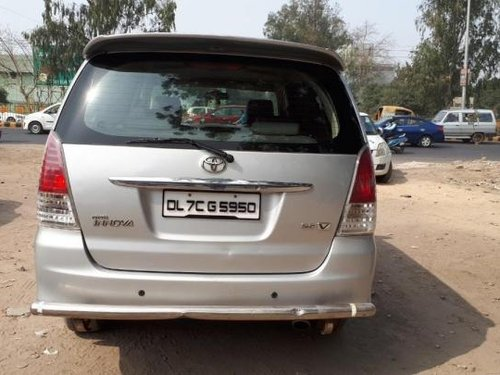 Good as new Toyota Innova 2010 for sale -10