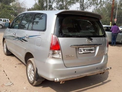 Good as new Toyota Innova 2010 for sale -12