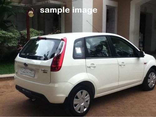 Well-kept Ford Figo Petrol LXI 2010 at low price