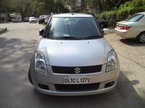 Well-kept Maruti Suzuki Swift 2006 in New Delhi