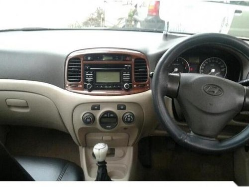Used Hyundai Verna car for sale at low price-6