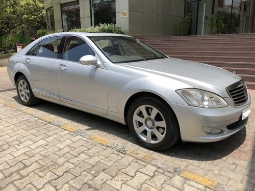 Used 2007 Mercedes Benz S Class car at low price
