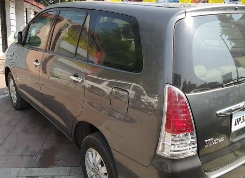 Toyota Innova 2004-2011 2009 for sale