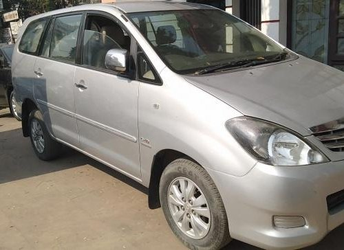 Used 2012 Toyota Innova 2004-2011 car at low price-0