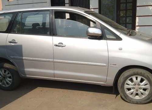Used 2012 Toyota Innova 2004-2011 car at low price-1