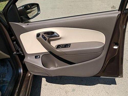 Volkswagen Vento 2013-2015 1.6 Comfortline 2015 by owner