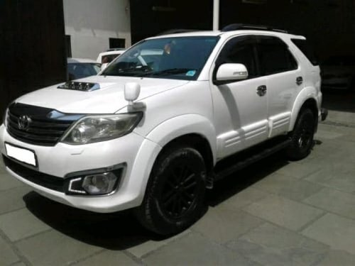 Used Toyota Fortuner 4x2 AT 2012
