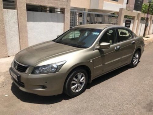 Used Honda Accord 2010 car at low price-3