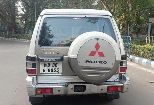 Mitsubishi Pajero Sport 2.8 SFX BSIV Dual Tone by owner