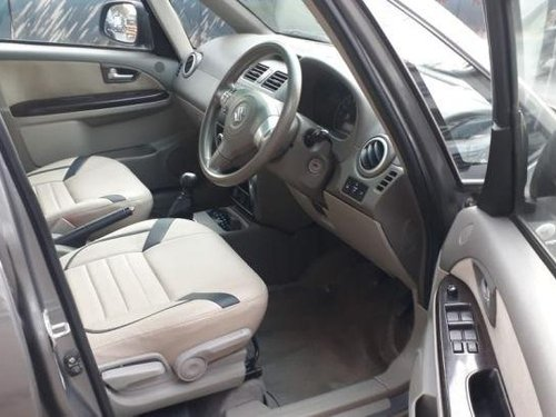 Used Maruti Suzuki SX4 car at low price-10