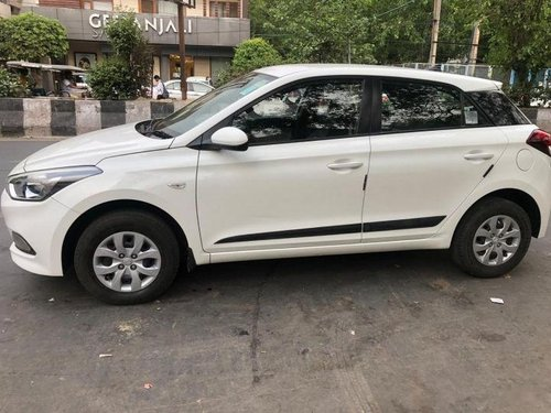 Used Hyundai i20 car at low price-14