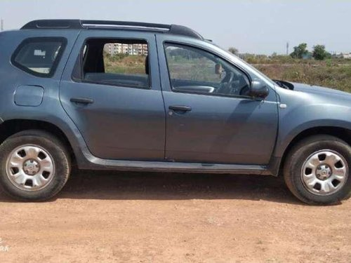 Used Renault Duster car MT at low price
