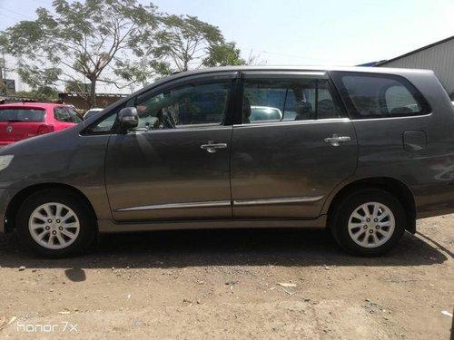 Used Toyota Innova  2.5 VX 8 STR BSIV MT car at low price