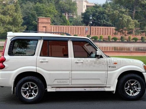 Used 2013 Mahindra Scorpio  VLX MT for sale-4