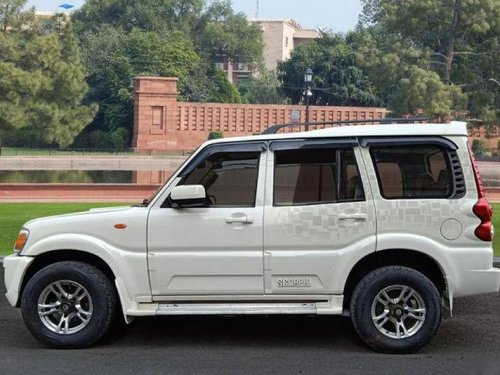 Used 2013 Mahindra Scorpio  VLX MT for sale-3