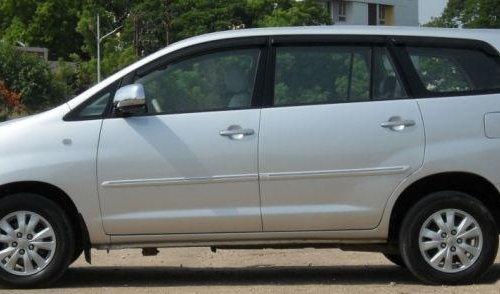 Toyota Innova 2.5 V Diesel 7-seater MT for sale