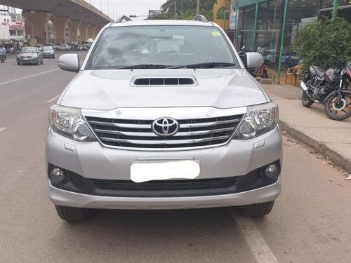 Used Toyota Fortuner 4x2 AT car at low price