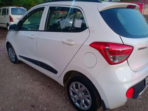 Hyundai Grand I10 i10 Sportz 1.1 CRDi, 2018, Diesel MT for sale -9