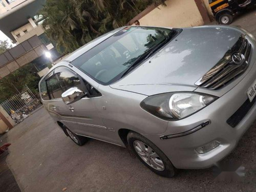 Toyota Innova 2.5 V 8 STR, 2011, Diesel MT for sale