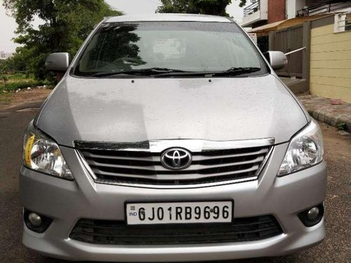 Toyota Innova 2013 MT for sale -10