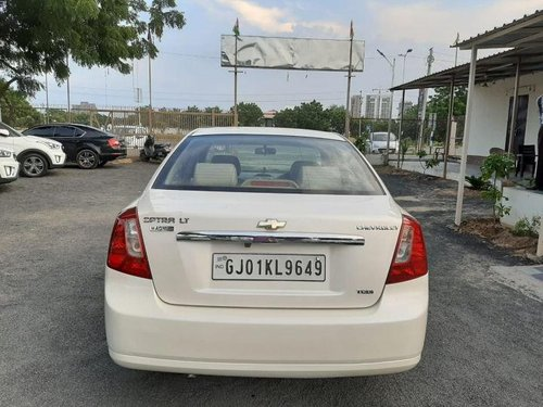 Used Chevrolet Optra Magnum 2.0 LT 2011 MT for sale -5