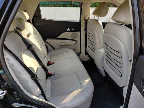 Mahindra XUV300 W8 Option Dual Tone Diesel MT for sale