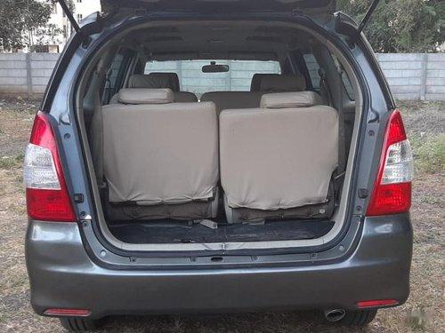 Used Toyota Innova MT 2004-2011 car at low price in Nashik