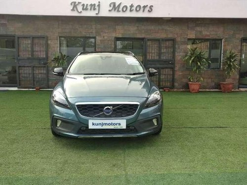 Used 2014 V40 Cross Country D3 Inscription  for sale in Gurgaon