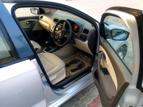 Used Volkswagen Vento Petrol Highline MT car at low price in New Delhi