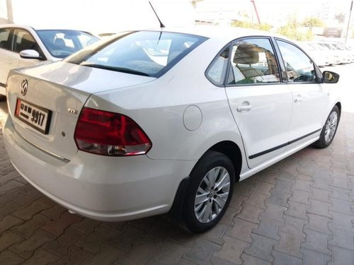 Used Volkswagen Vento 1.5 TDI Highline AT 2015 in Ahmedabad