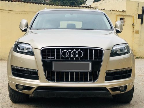 2011 Audi Q7 3.0 TDI Quattro Premium Plus Diesel MT for sale in New Delhi