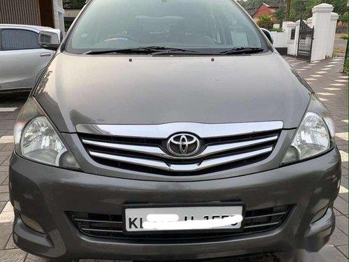 Used 2011 Innova 2.5 VX 8 STR  for sale in Kottayam