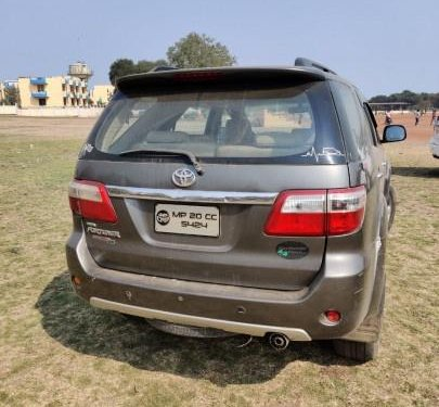 Toyota Fortuner 3.0 Diesel 2009 MT for sale in Bhopal
