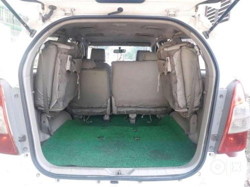 Toyota Innova 2.5 G4 8 STR, 2011, Diesel MT for sale in Etawah -3