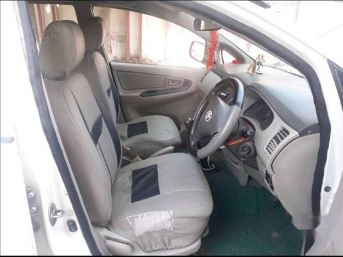 Toyota Innova 2.5 G4 8 STR, 2011, Diesel MT for sale in Etawah -1